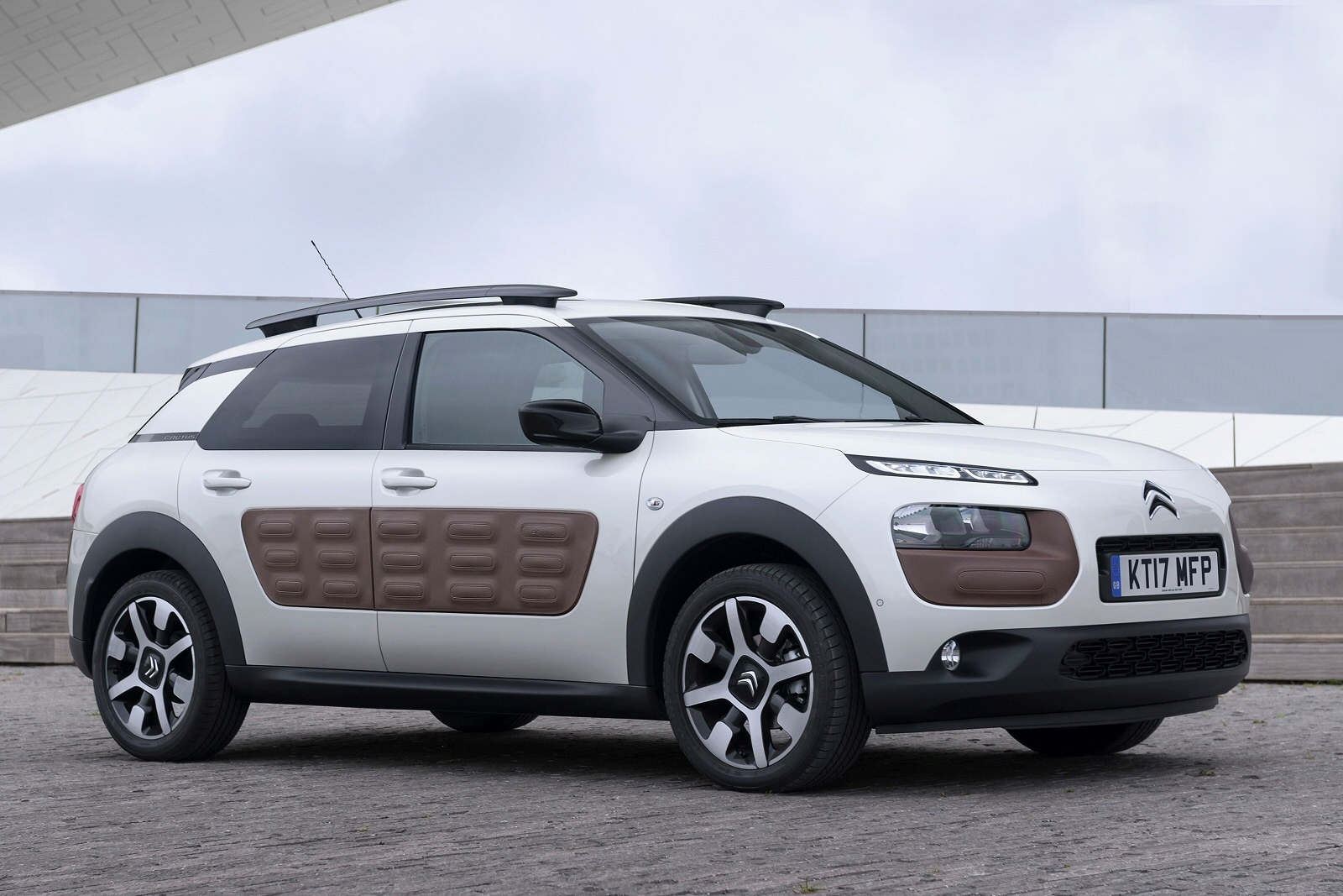 new citroen c4 cactus for sale 2018 prices finance deals robins and day. Black Bedroom Furniture Sets. Home Design Ideas