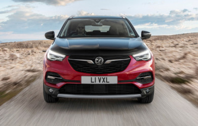 Vauxhall reveal first-ever plug-in hybrid with New Grandland X Hybrid4