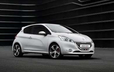Peugeot 208 GTi gets the green light