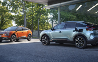 NEW C4 AND NEW Ë-C4 - 100% ËLECTRIC: CITROËN REINVENTS THE COMPACT HATCHBAC